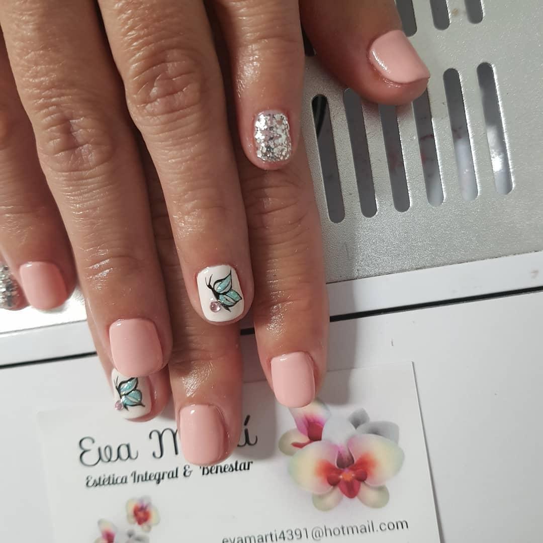 Amparo #manicuramolona #esmaltadosemi # unhas # decoração de unhas #nailsart #decorac ...