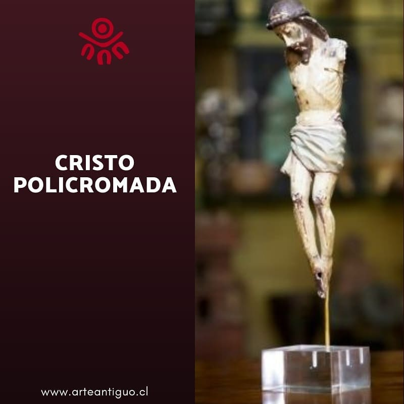 Cristo antigo de madeira esculpida em uma peça e policromada. Destaca a mae ...