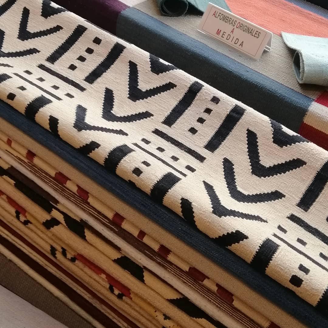 Imaginamos para você um mundo de design e cores. !! Novos kilims contemporâneos ...