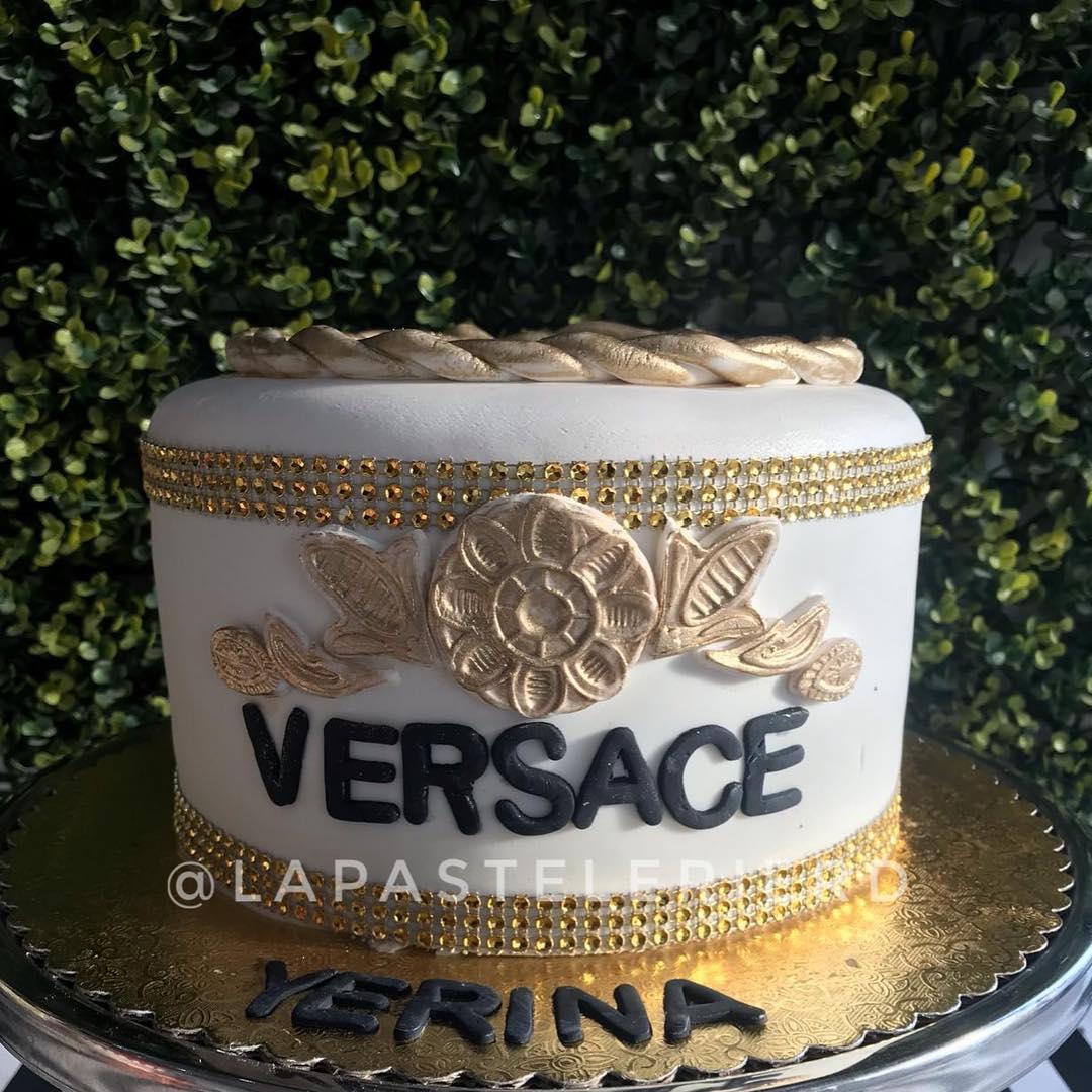 #Versace no chão Suas idéias se tornam realidade Escreva-nos no WhatsApp para ...