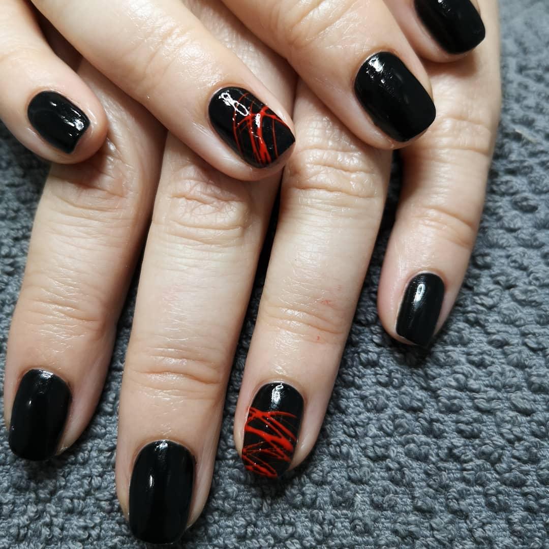Eles não querem deixar as cores escuras para trás ... . . #nailsart #nails #gelisharmon ...