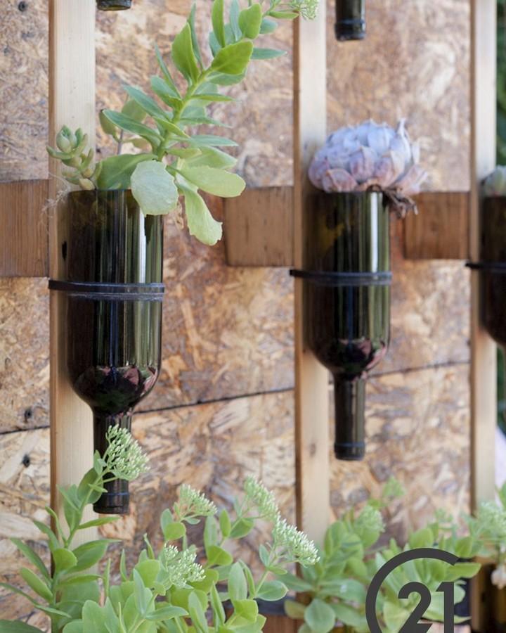 Sugestão de decoração ecológica: reutilize o ⠀ Materiais. ⠀ # CENTURY21 # ...